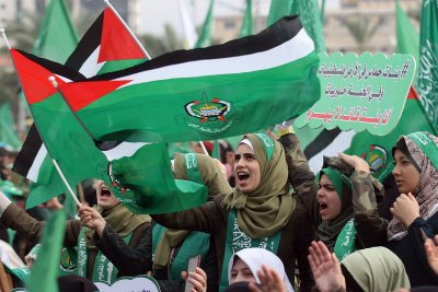 Hamas threatens Israel over aid payments to poor