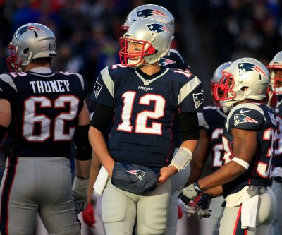 Tom Brady sets record for QB wins in New England Patriots' victory over Los Angeles Rams