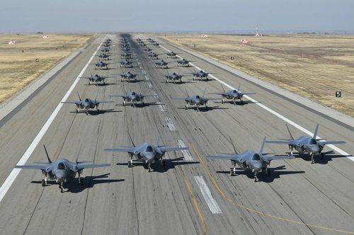 Hill Air Force Base conducts mass rapid launch exercise of F-35 fighters
