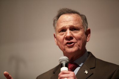 Roy Moore announces 2020 Senate bid