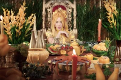 Shakira, Anuel AA share lavish 'Me Gusta' music video