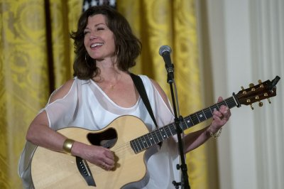 Amy Grant promotes self-care after open-heart surgery