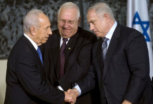 Peres wants Vatican to get Christian sites