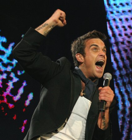 Pop singer Robbie Williams gets hitched