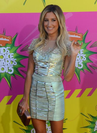 Ashley Tisdale teams up with ShoeDazzle for charity