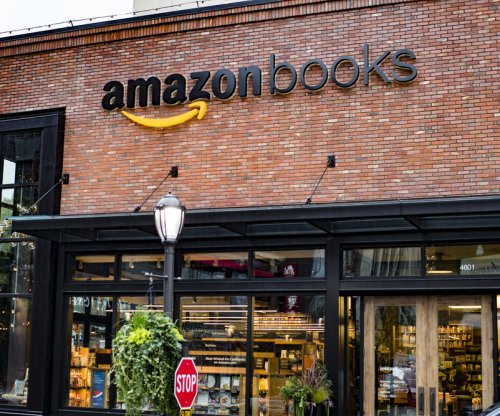 Amazon plans chain of bookstores, says mall company CEO