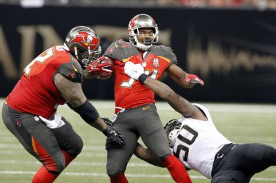 Tampa Bay Buccaneers activate off RB Charles Sims off IR