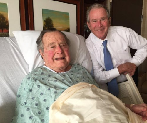 George H.W. Bush released from Houston hospital after bout of pneumonia