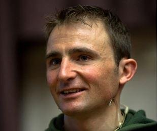 Swiss climber Ueli Steck dies on Mount Everest