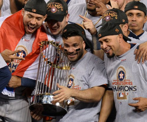 Houston Astros pick up contract options on Jose Altuve, Marwin Gonzalez