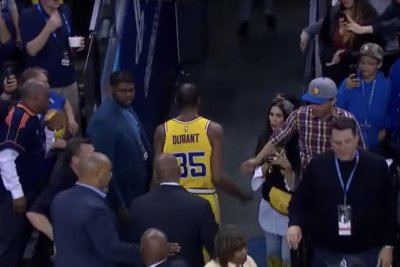 Warriors' Kevin Durant gets ejected; now a technical shy of suspension