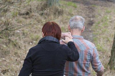 Untrained caregivers bear burdern of complex medical tasks, report shows