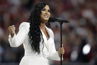Demi Lovato encourages struggling fans: 'You can't give up'