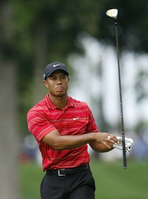 Woods easily wins his 71st PGA title