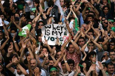 Khatami warns Tehran against slogans