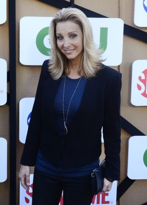 Lisa Kudrow to testify in court battle with ex-manager