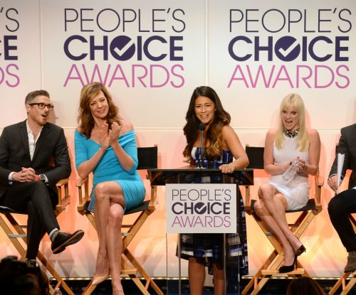 Robert Downey Jr., Viola Davis, Kaley Cuoco-Sweeting to attend People's Choice Awards