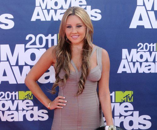 Amanda Bynes makes rare appearance to attend fashion show