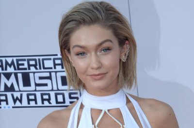 Gigi Hadid wears bob hairstyle to American Music Awards