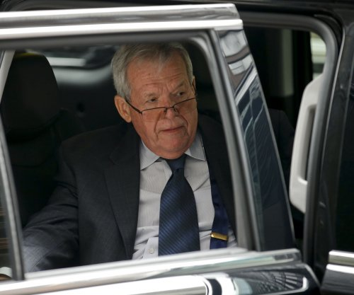 Ex-speaker Hastert won't appeal 15-month prison sentence