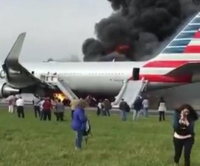 American Airlines 767 catches fire at Chicago's O'Hare