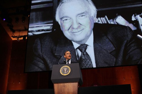 Politicians, journalists remember Cronkite