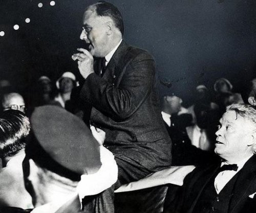 Woman's courage foils shots assassin aimed at Roosevelt