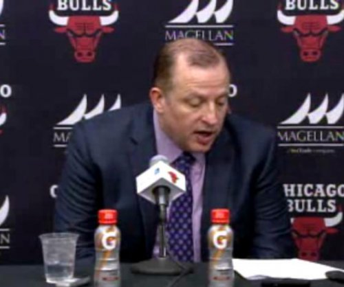 Whiteside's triple-double lifts Miami Heat past Chicago Bulls