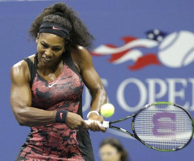 Serena pushed to three sets, escapes major scare at U.S. Open