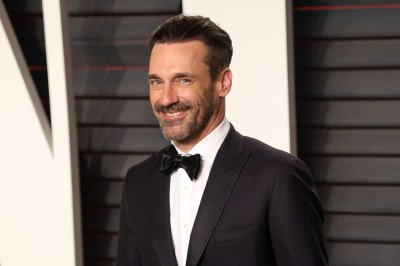 Jon Hamm and Gal Gadot are mysterious neighbors in 'Keeping Up With the Joneses'