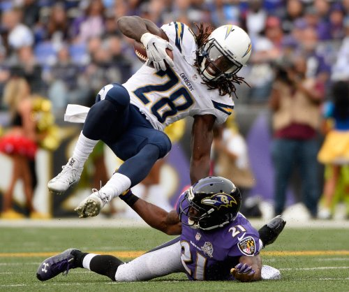 San Diego Chargers RB Melvin Gordon carted off with hip injury