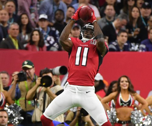 Atlanta Falcons beat Tampa Bay Buccaneers behind Julio Jones' 253 receiving yards