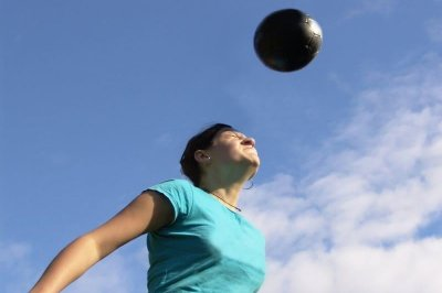 Study: 'Heading' a soccer ball more dangerous for women