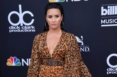 Demi Lovato thanks Christina Aguilera for Grammy nomination