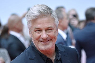Judge throws out slander claim in lawsuit against Alec Baldwin over parking-spot spat