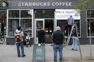 Report: Consumer spending falls 13.6 percent despite stimulus handouts