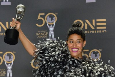 Tracee-Ellis-Ross-to-receive-Fashion-Icon-Award-at-People's-Choice-event