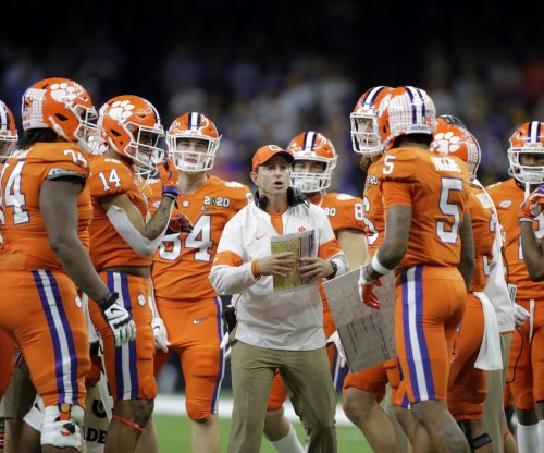 Clemson OC Tony Elliott to miss CFP semifinal game due to COVID-19