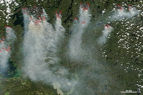 NASA satellites show smoke from Canadian forest fires drifting south