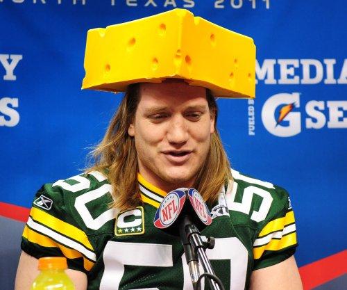 Green Bay Packers release LB Hawk