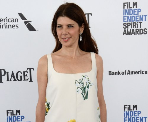 Marisa Tomei says 'Spider-Man' makers promised a sexy Aunt May