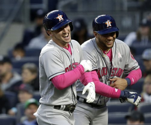 Houston Astros rally for 7-6 win over New York Yankees