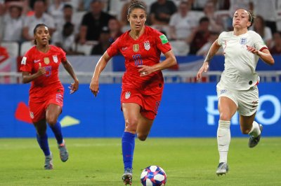 Carli Lloyd scores twice in U.S. women's soccer win over Portugal