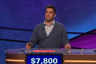 Packers star QB Aaron Rodgers to be guest host on 'Jeopardy!'