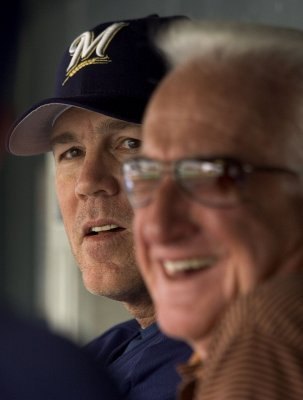 2nd surgery for Brewers broadcaster Uecker