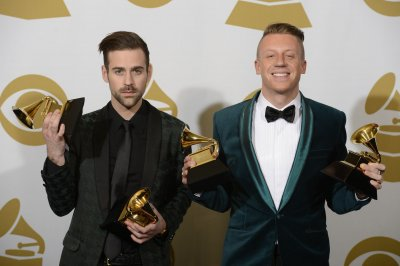 Macklemore under fire for 2009 tweet: 'Bush knocked down the towers'