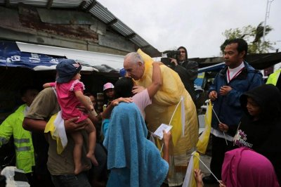 Pope leaves Philippines