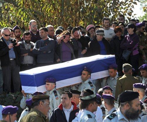 Israel, Lebanon calm simmering fear of war