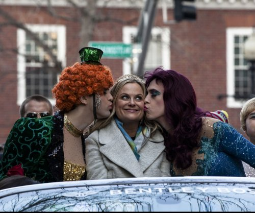 Amy Poehler receives Hasty Pudding's Woman of the Year honor