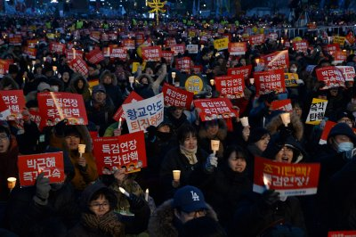 Conflicting rallies held in South Korea following Park's impeachment